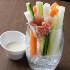 生ハムと野菜スティック  380円