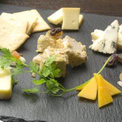 チーズ5品盛り  819円