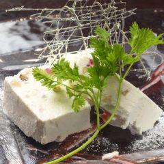アイスチーズケーキ 380円
